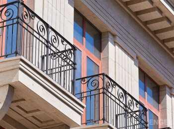 Кованые решетки на балконах